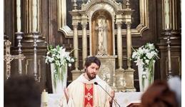 zdjęcia ślubne z kościoła
